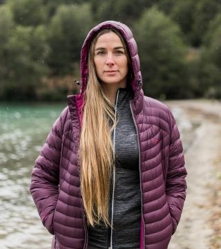 Campera de plumas de mujer Shelby con capucha